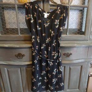 Women's maternity dress size medium